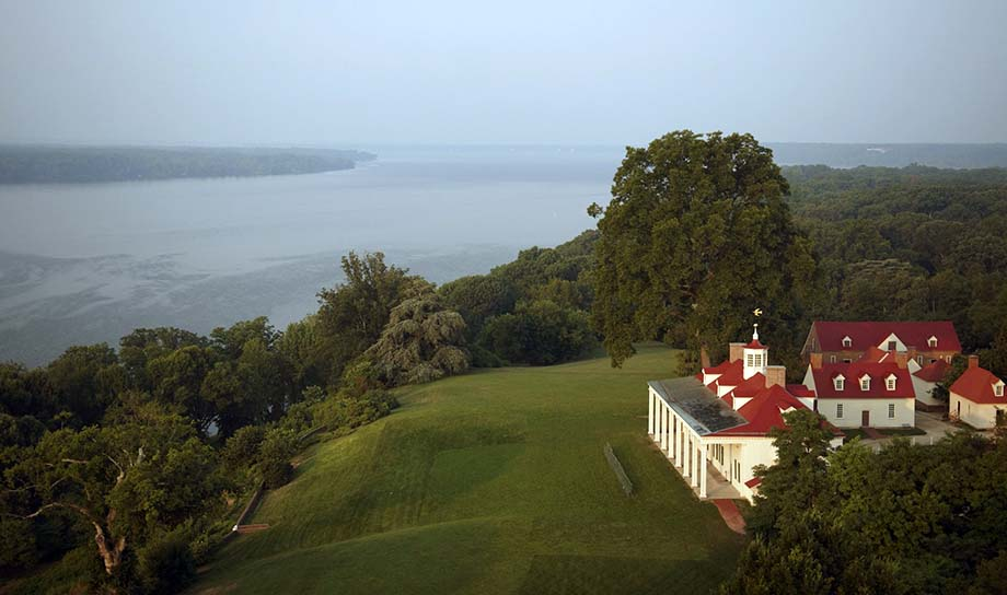Aerial view of the estate and Potomac River