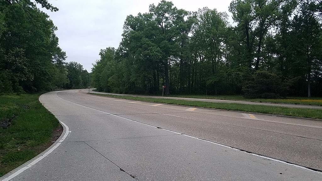 Empty GW Parkway at dusk